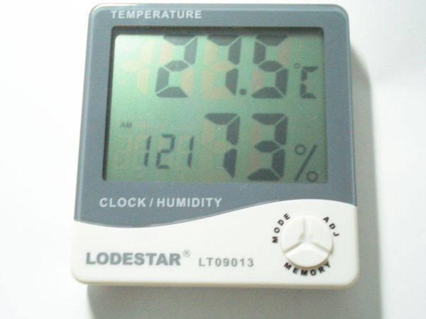 Thermometer เครื่องวัดอุณหภูมิ และความชื้น  LT09013
